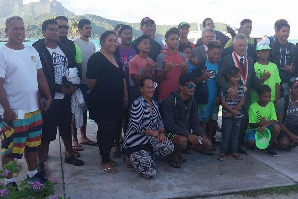 Rameurs de Bora Bora/Te aito / va'a