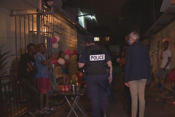 La police à la crique à Cayenne