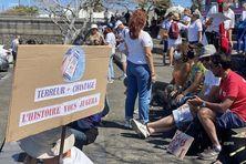 Faible mobilisation pour la dixième semaine de manifestation contre le pass sanitaire et l'obligation vaccinale, à Saint-Pierre.