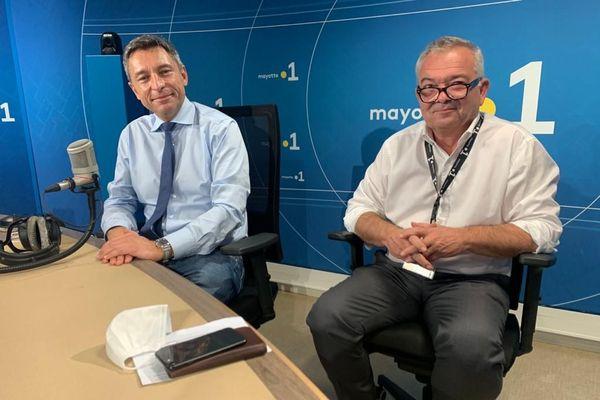 Frédéric Mortier, délégué interministériel aux risques majeurs en outremer, et le Professeur Eric Humler du CNRS