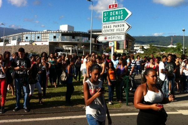 St-Benoît : Manifestation Lycéens d'Amiral Bouvet