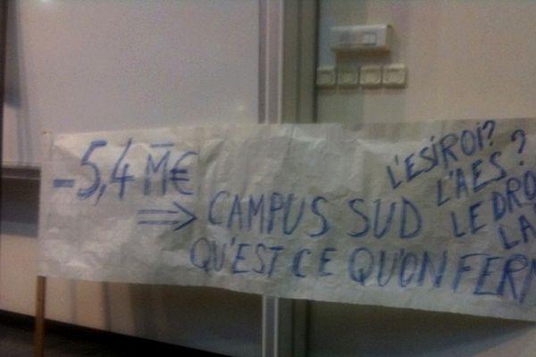 Université du Tampon : manifestation contre la baisse du budget