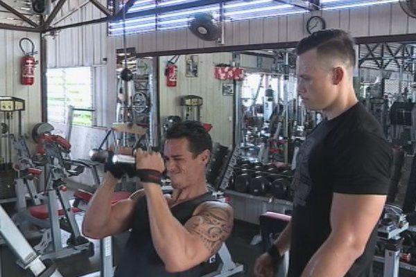 deux amis bodybuilders