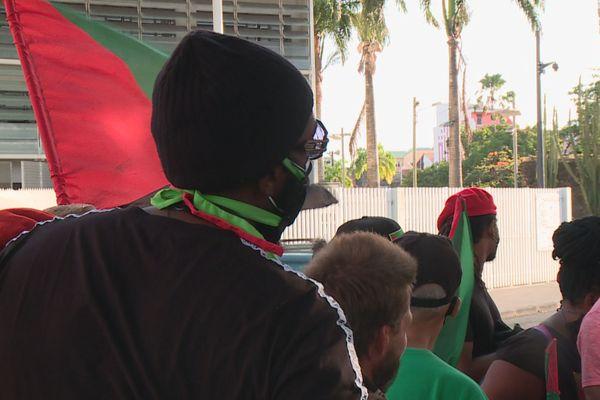 Militants rouge-vert-noir