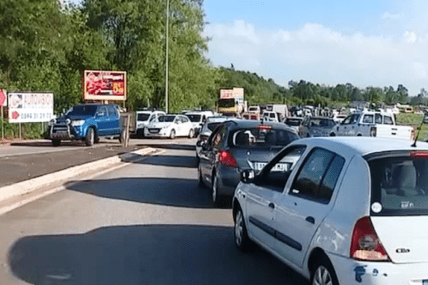 Embouteillages provoqués par la grève des transporteurs