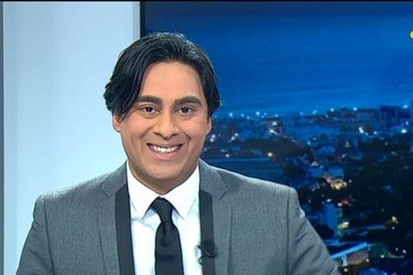 Elyas Akhoun présente le journal