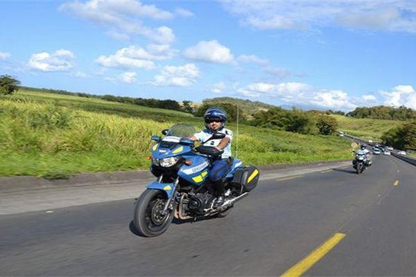 Gendarmes à moto