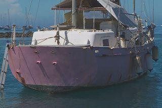 Épaves de bateau à Punaauia, les riverains tirent la sonnette d'alarme