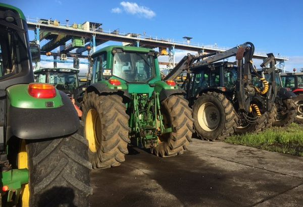 Tracteurs opération escargot