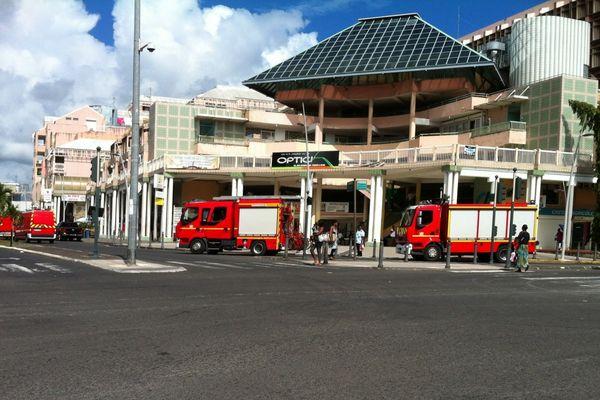 Pompiers dans les rues de Pointe-à-Pitre