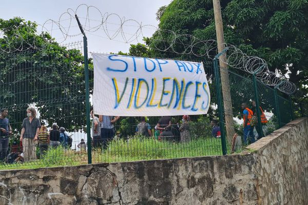 grève personnel collège Mtsamboro