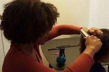 Des ateliers capillaires parents/enfants auront lieu à partir du 29 novembre à Paris pour aider les parents à s'occuper des cheveux afro de leurs petits.