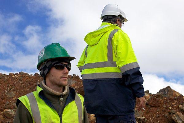 Mineur calédonien sur le massif du Konaimbo en Nouvelle-Calédonie