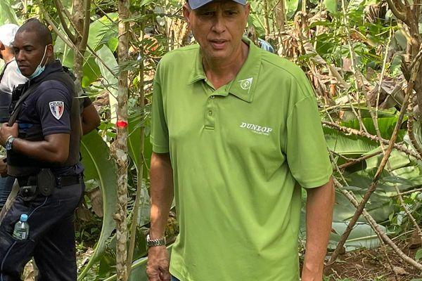 Claude Plénet sur la colline du Mahury