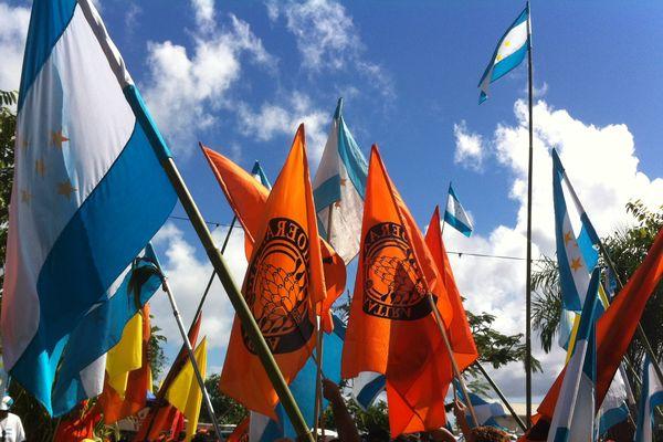 Drapeaux, emblèmes et appellations : symboles de la politique locale