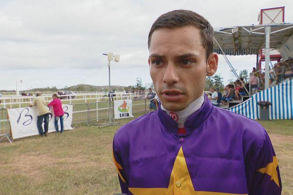 Le jockey Anthony Di Palma