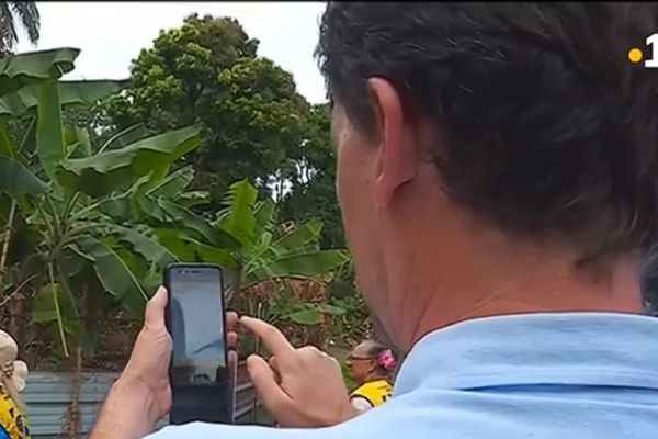 Uru smartphone