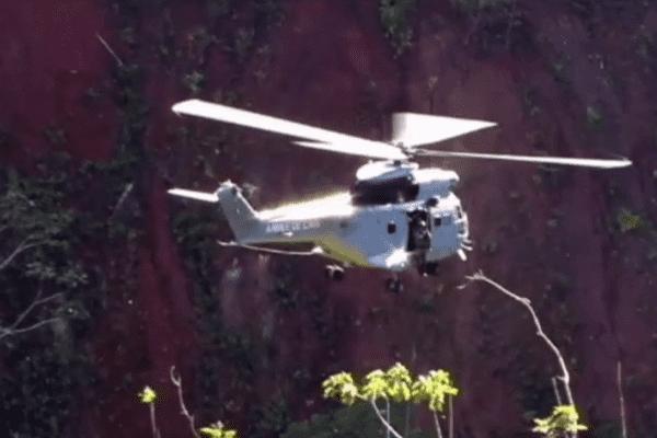 Hélicoptère Puma en exercice