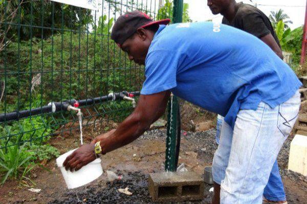 A Mayotte, les ressources en eau douce se raréfient de manière alarmante ces dernières semaines.