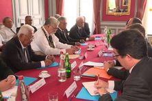 Les rois de Wallis et Futuna au moment de la signature