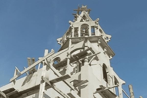 Le chantier de construction de la Chapelle dédiée à la croix Glorieuse à Futuna