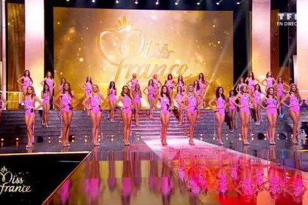 Les 12 finalistes au concours Miss France 2015