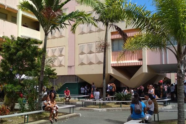 Collège de Magenta