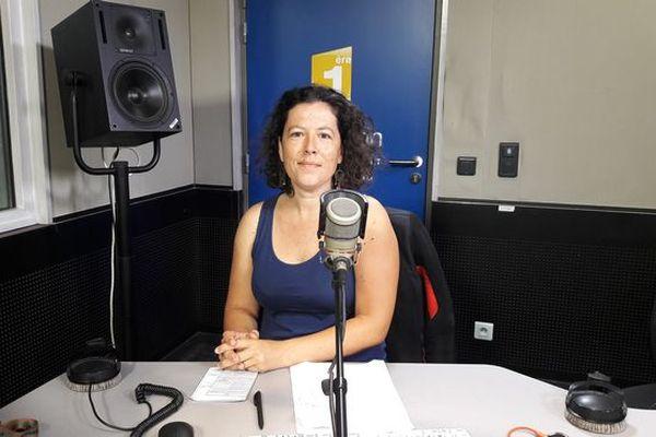 """Antonia Cadet, porte-parole du collectif """" Touch pa nout roche """""""
