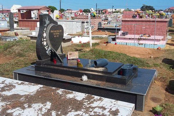 Tombe vandalisée au cimetière de Cayenne