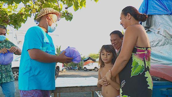 Du poisson acheté aux pêcheurs puis offert aux familles
