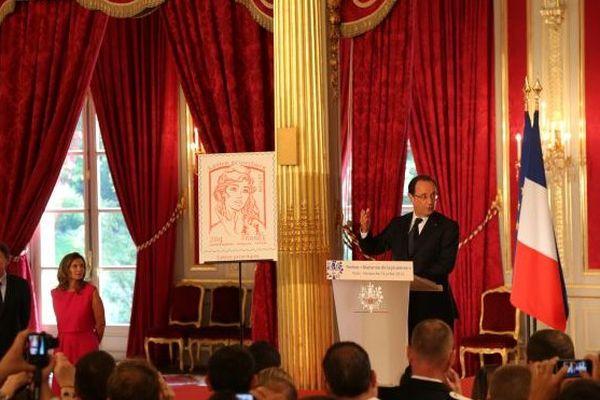 Hollande et le timbre Marianne