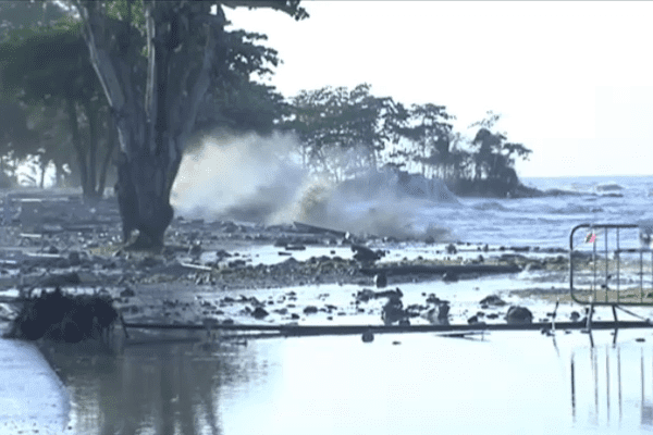 Fortes houles sur Cayenne
