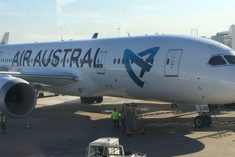 Air Austral renouvelle sa flotte moyen-courrier et commande 3 A220-300 à Airbus