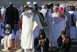 La Réunion: 2.000 musulmans prient en plein air pour la fin du ramadan