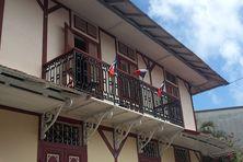 Les drapeaux de Maud Rullier en berne