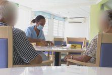 Malades d'Alzheimer dans une structure en Martinique.
