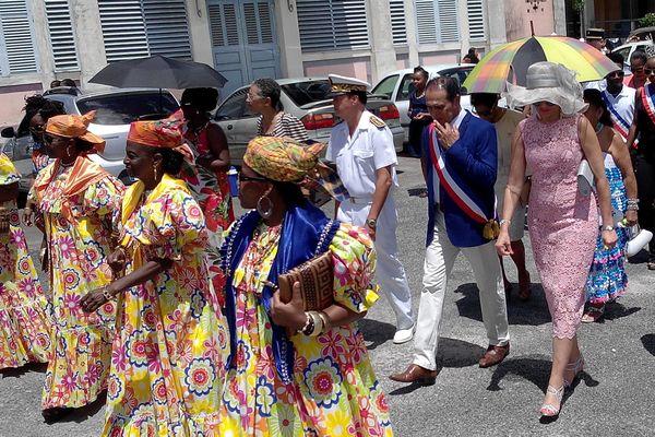 Léon Bertrand  avec la députée Chantal Berthelot et le sous-préfet Claude Vo Dinh