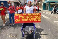 Fauteuil vide d'une victime des pesticides dans les champs de Martinique - défilé du 27 mars 2021 à Fort-de-France.