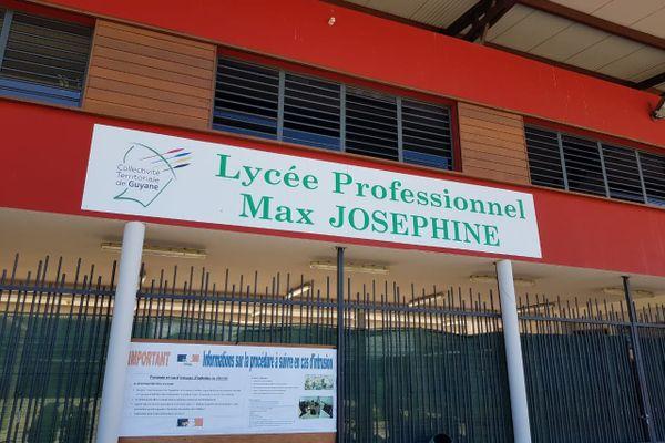Lycée Max Joséphine