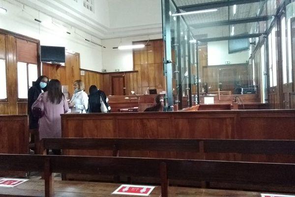 Salle du tribunal des Assises de Basse-Terre