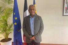 Louis Mapou a été élu président du 17e gouvernement de Nouvelle-Calédonie le 8 juillet 2021.
