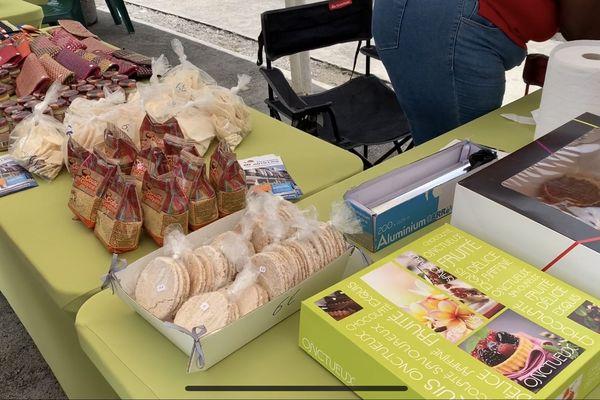 Exposition de produis guyanais à la journée Guyane de l'association Katoury