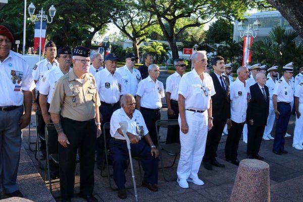 La cérémonie a eu lieu en présence d'anciens combattants