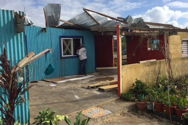 Photo dégâts cyclone Donna Lifou Qanono maison sans toit mai 2017