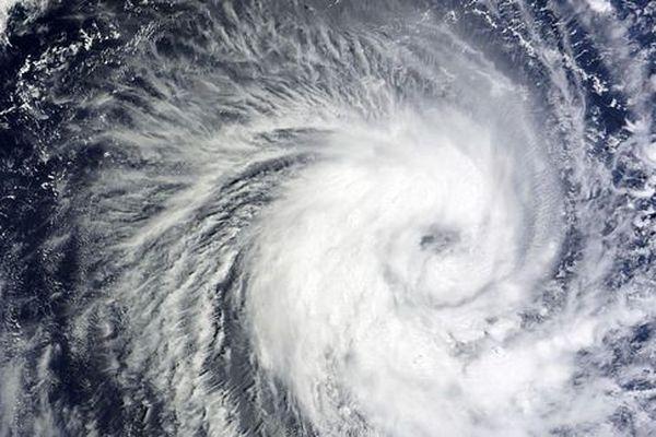 """Le cyclone """"Lane """" s'approche des côtes de Hawaii"""