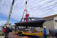 Le drone marin de la société Ixblue a été sorti de l'eau le samedi 3 juillet 2021, au terme de sa mission d'exploration à Saint-Pierre et Miquelon.