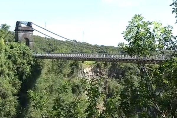 20150403 Pont de la Rivière de l'Est