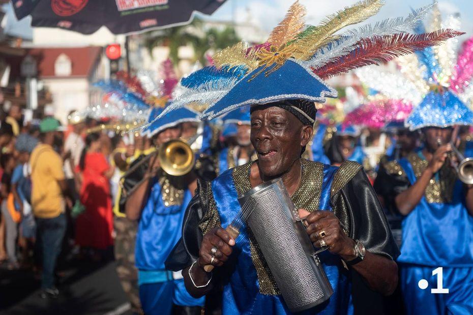 Le François au rythme des parades carnavalesques - Martinique la 1ère