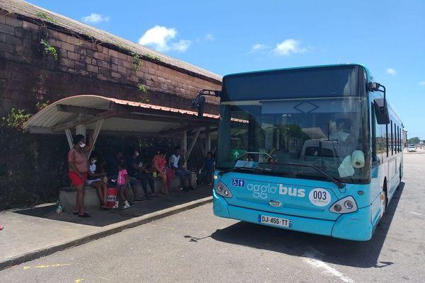 Rentrée sous tension pour les bus scolaires de l'Ile de Cayenne