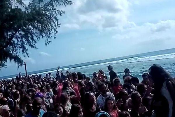 Rassemblement de foule à Saint-Leu